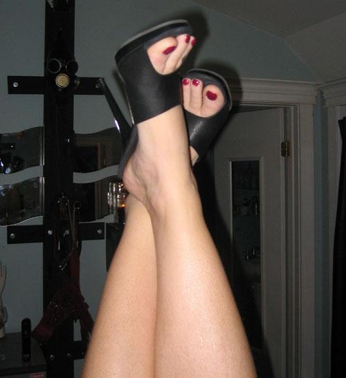 mm_feetsies